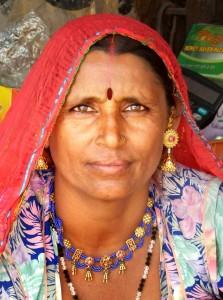 Mujer en mercado. Rajasthán. India.